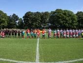 Die Mannschaften und das Schiedsrichter-Team