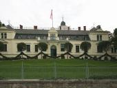 schlossfassade-2010