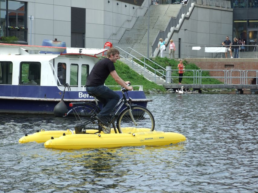 clique-waterbike057