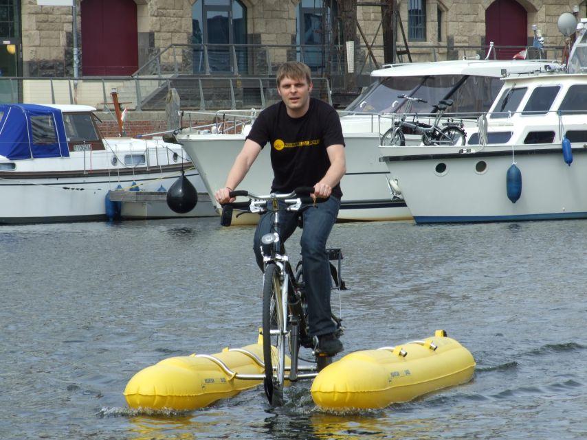 clique-waterbike062