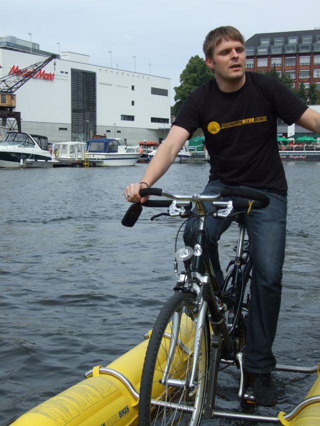 clique-waterbike065