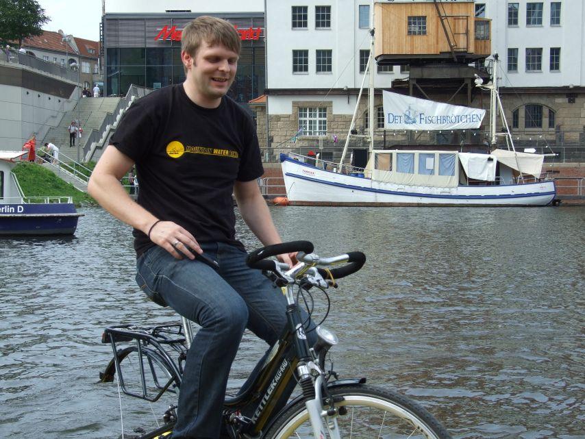 clique-waterbike070