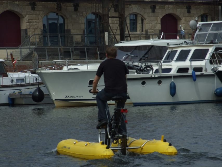 clique-waterbike071