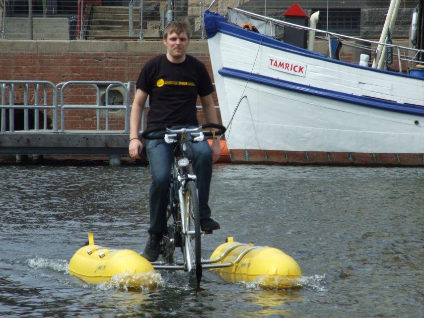 clique-waterbike077