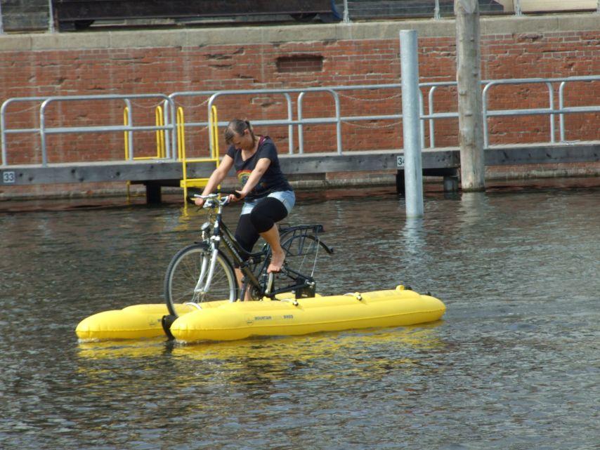 clique-waterbike095