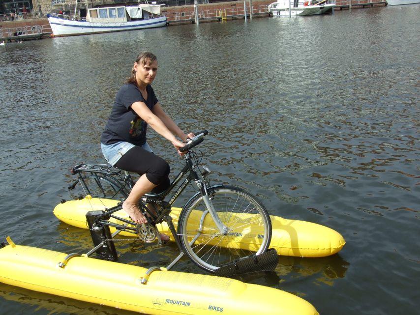 clique-waterbike101