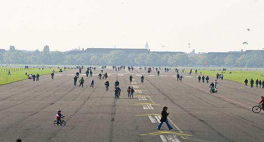 Tempelhofer Feld - Foto: Lichtschwärmer Christo Libuda