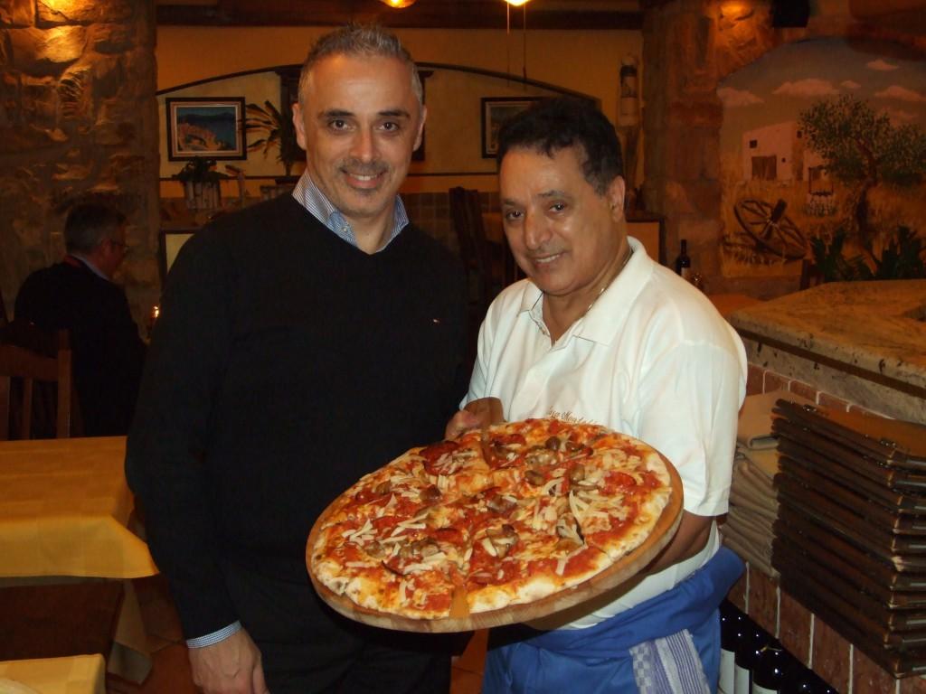 Mimmo und seine goldene Hand, Koch Franco ist seit 14 Jahren dabei