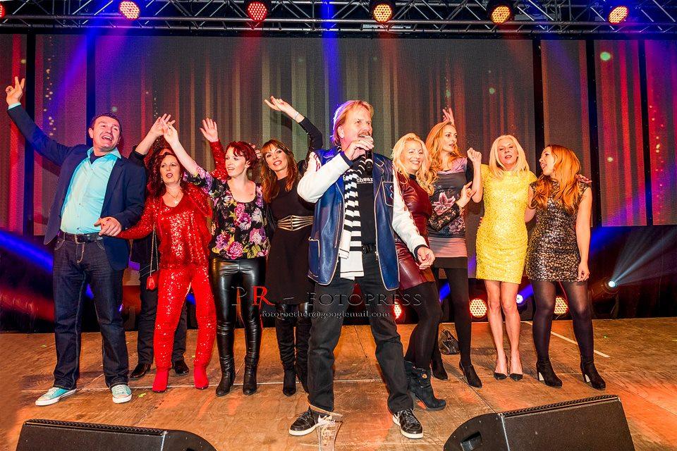 Frank Zander holte zum Abschluss des Awards Gäste aus dem Publikum auf die Bühne