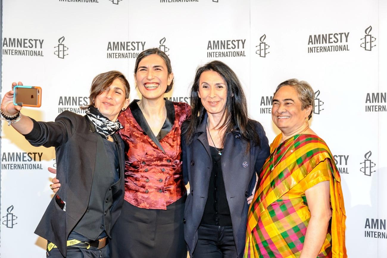 Powerfrauen-Selfie mit Selmin Caliskan,Shermin Langhoff,Cynthia Tiphagne