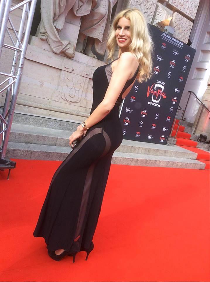 Tina Ellen Ciftci Herausgeberin Glamour and the City auf der Premiere Tanz der Vampire