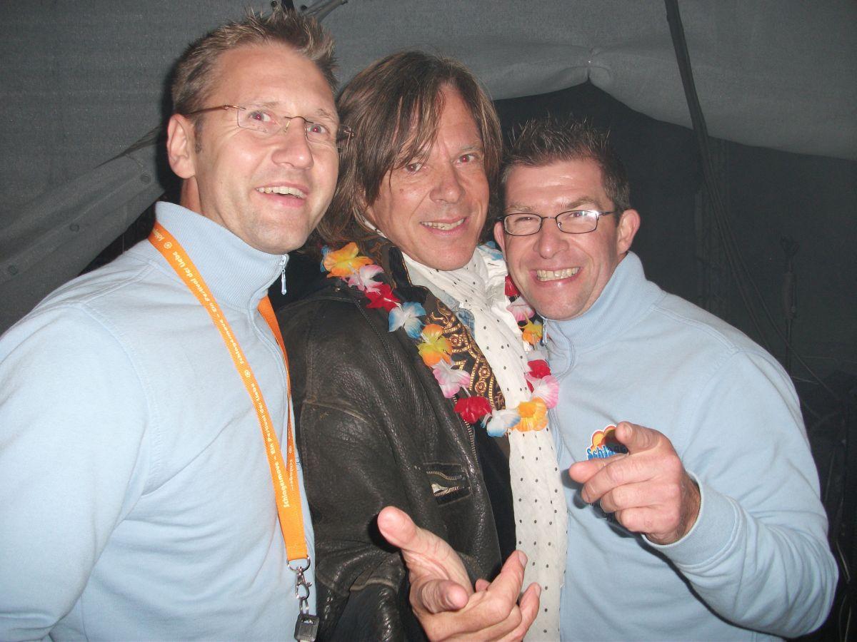 DJ Marc D. Sunshine und DJ Lucky Lars mit Jürgen Drews