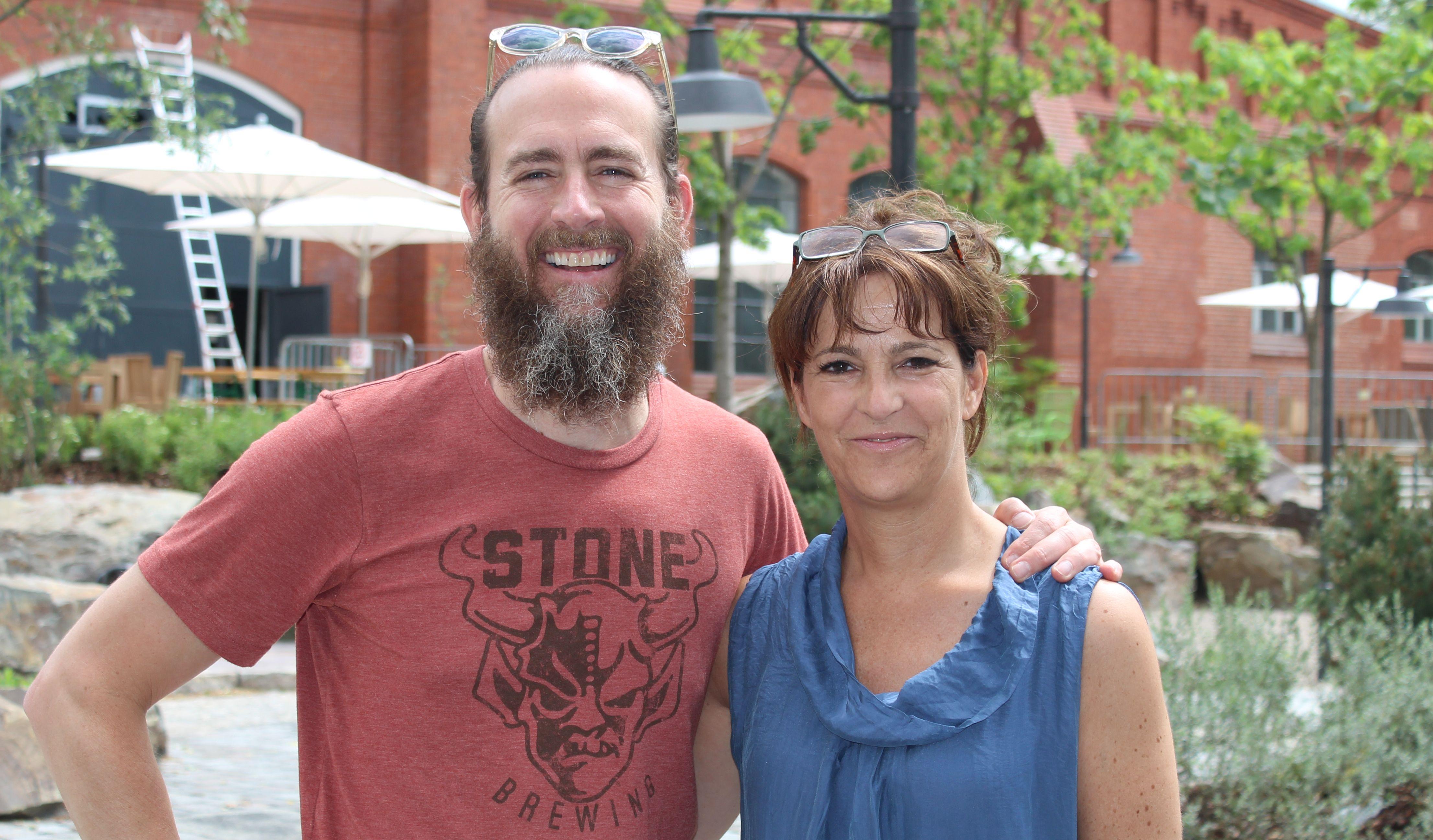 Greg Koch (Gründer und Inhaber - Stone Brewing) und Anita Tusch (Herausgeberin CLIQUE)