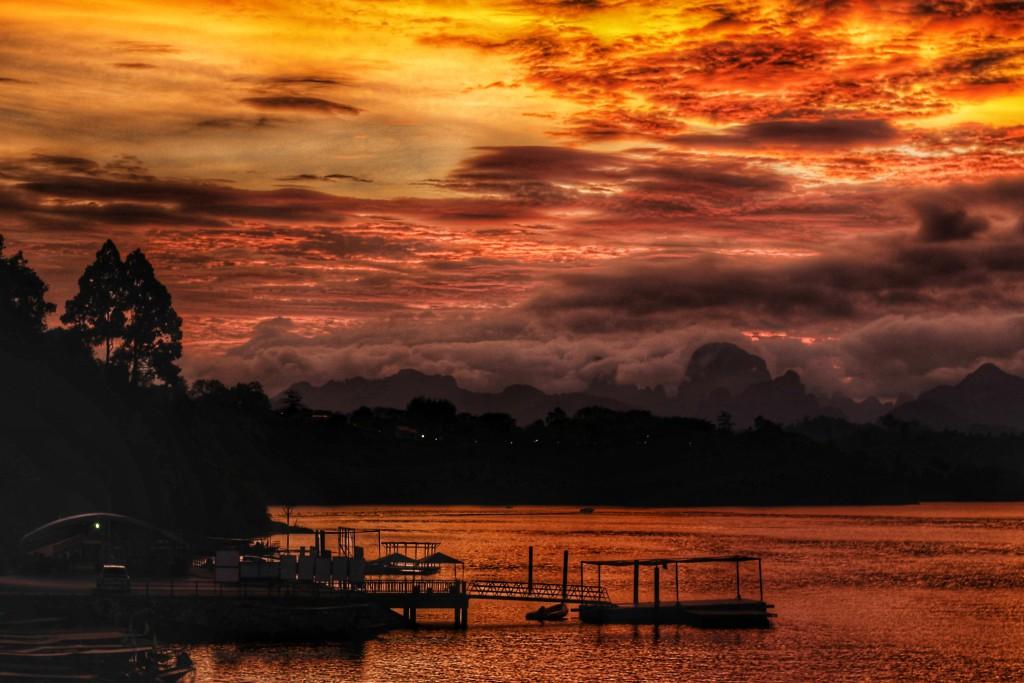 Sonnenuntergang Khao Sok Nationalpark
